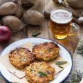 Rösti di patate con cipolla e prosciutto crudo