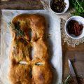 Fougasse ripiena di crescenza friarielli e olive